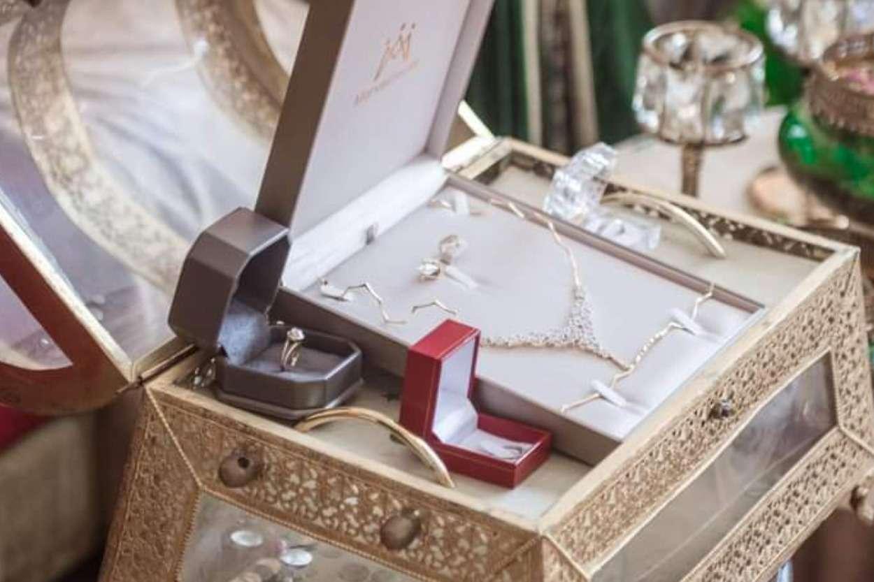 La parure de la mariée marocaine entre tradition, modernité et tendances